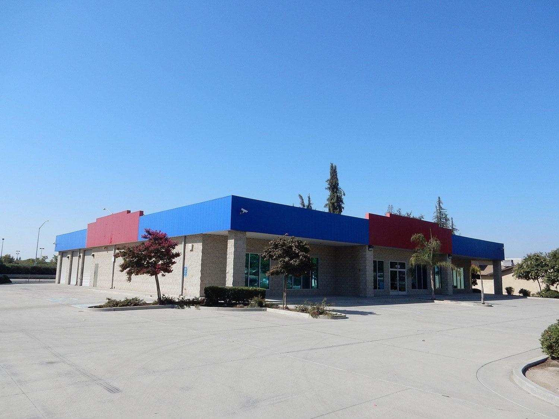 1745 E Mineral King Ave | Visalia, CA